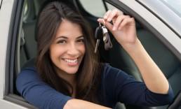 driver holding keys